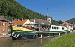 Luxury Hotel Barge La Nouvelle Etoile, cruising in Holland in the Tulip Season