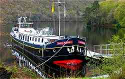 Luxury Hotel Barge Scottish Highlander, cruising the Caledonian Canal and Loch Ness in Scotland
