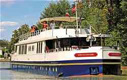 Luxury Hotel Barge Spirit of Scotland, cruising the Caledonian Canal and Loch Ness in Scotland